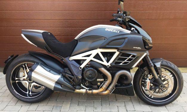 2012 Ducati Diavel AMG Motorbike