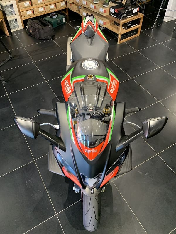 Aprilia RSV4 front top