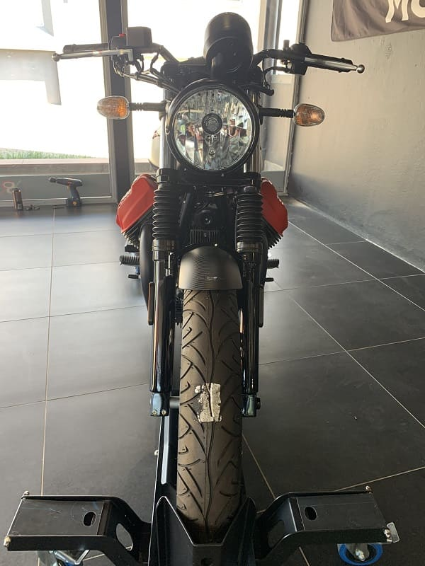 V7 Carbon front