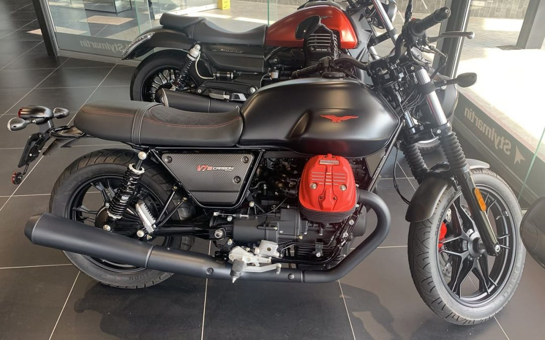 2020 Moto Guzzi V7 III Carbon