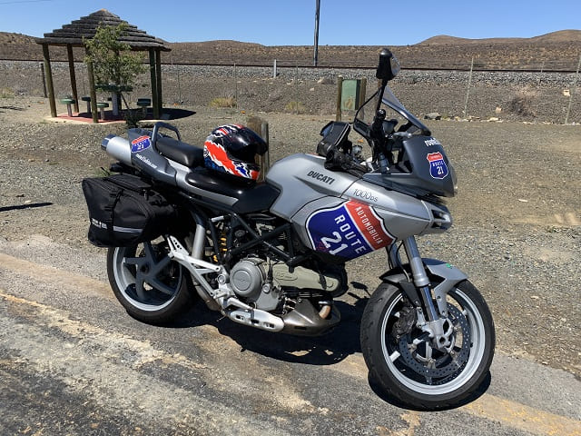R21 bike at rest stop in the Northern Cape
